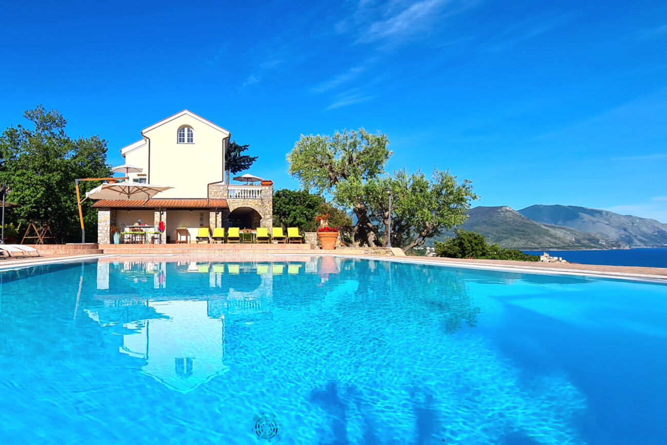 Rent villa with pool Cilento Palinuro Maratea Camerota