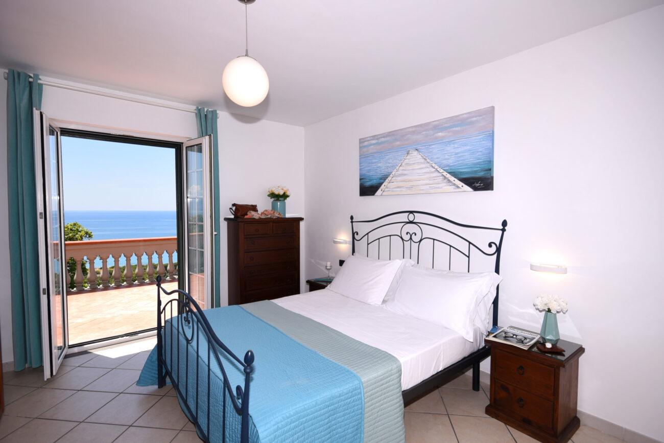 first floor bedroom DSC_2471