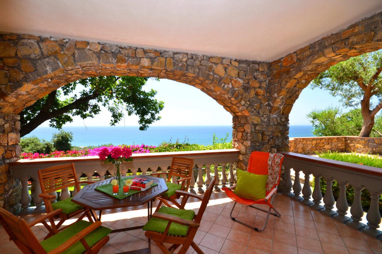 ground floor bedroom terrace DSC_9420